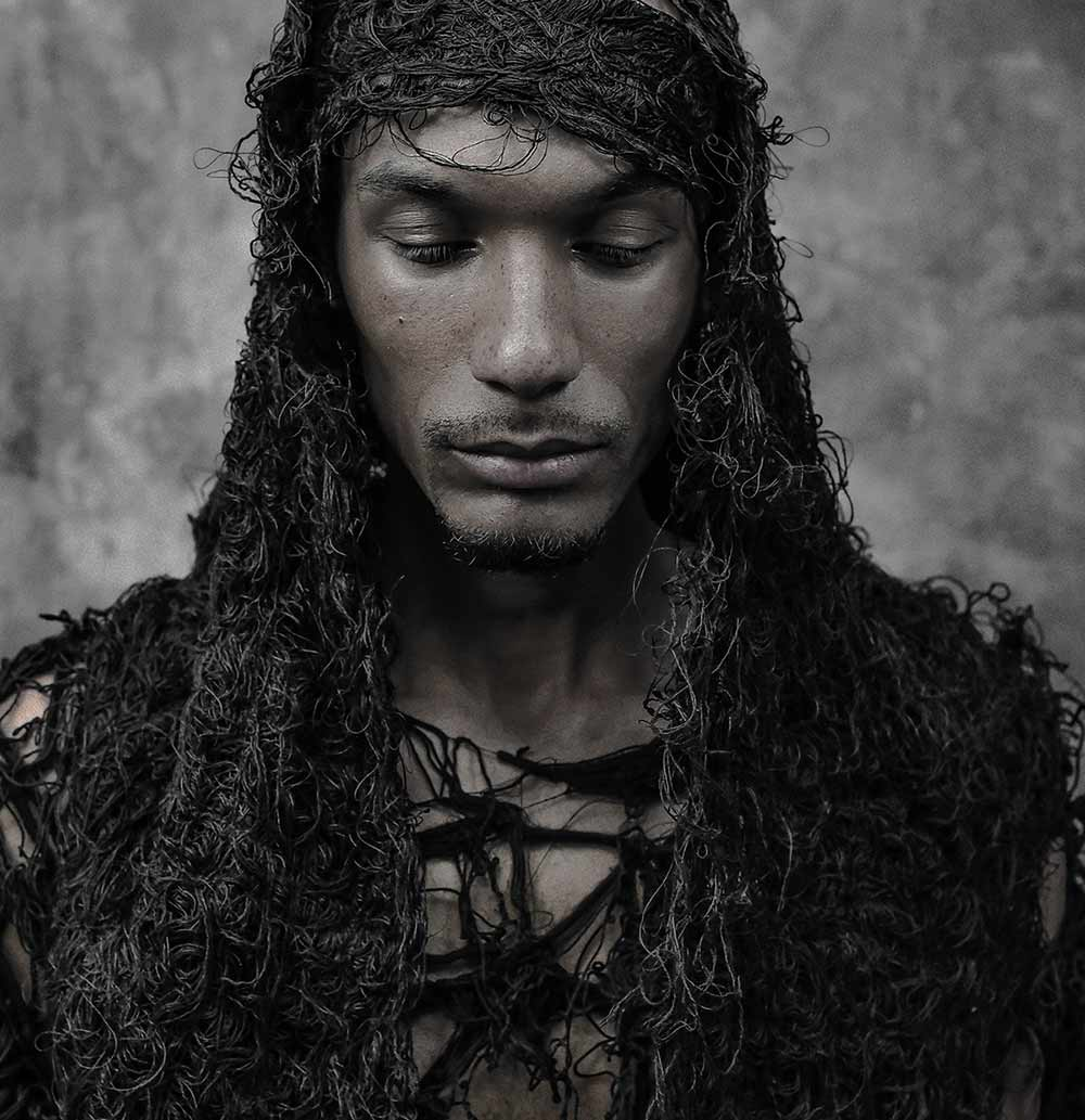minoar latest avant-garde menswear darkwear clothing collection and lookbook